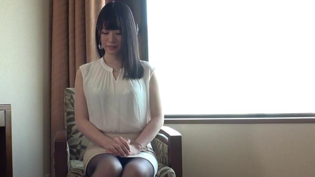 259LUXU-1190当清秀妹子穿上情趣丝袜